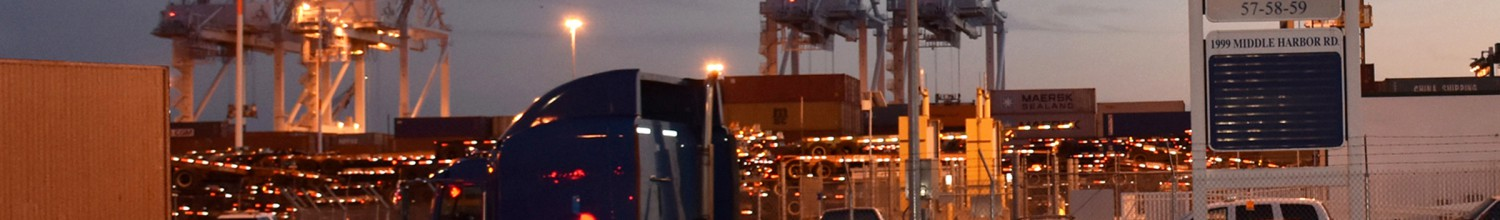 Image of Port of Oakland doing more work at night than ever before