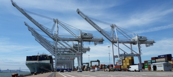 Raising cranes for bigger ships
