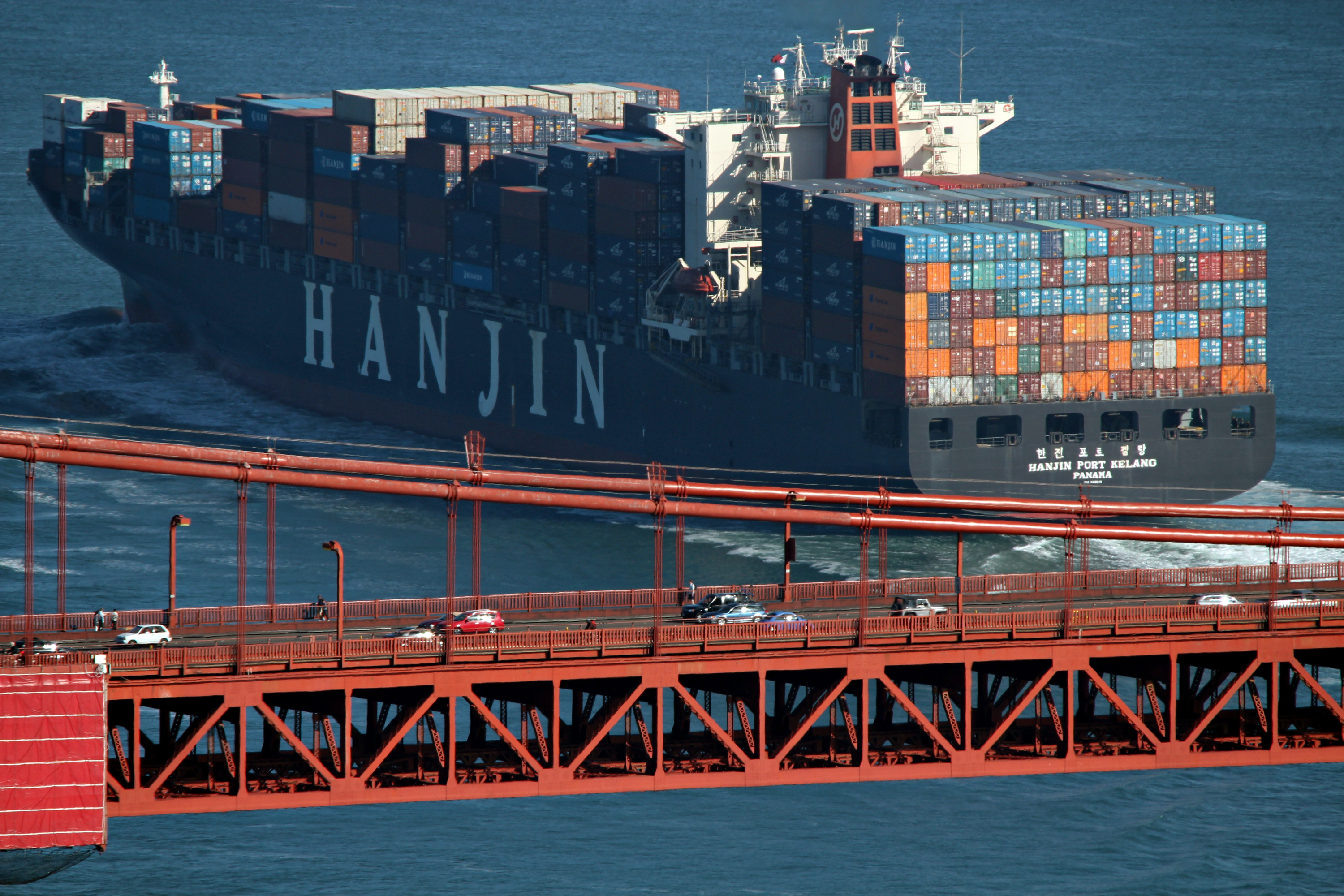 Port of Oakland eases worry over bankrupt shipping line